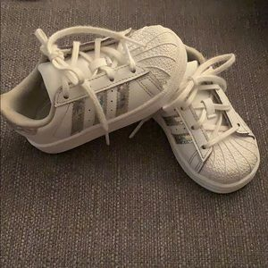 Toddler girls white and iridescent adidas size 6